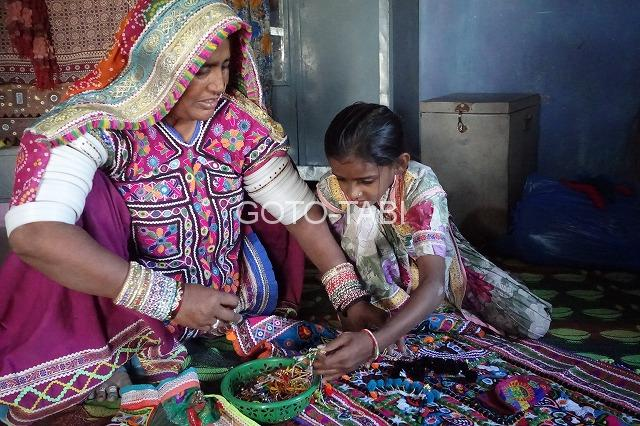 カッチの民族衣装女性