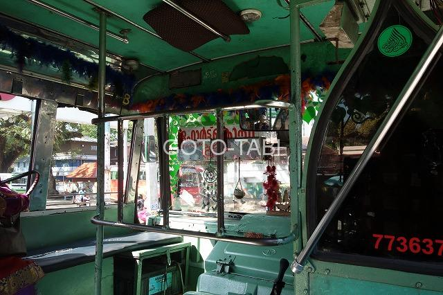 コーチン市内バス