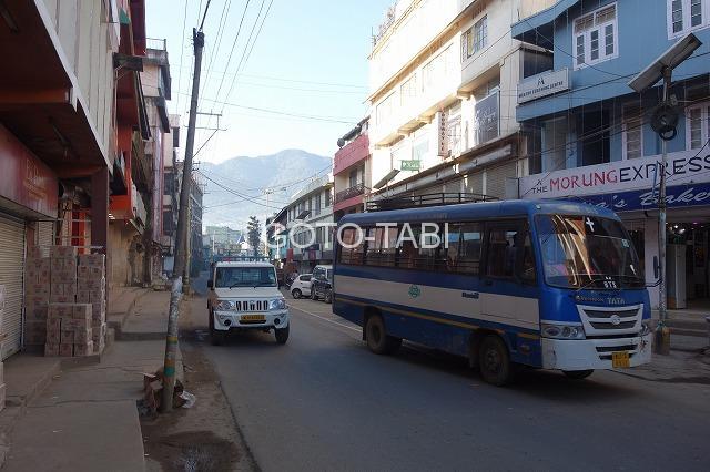 コヒマのバス