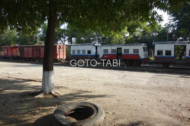 カレーミョの列車駅