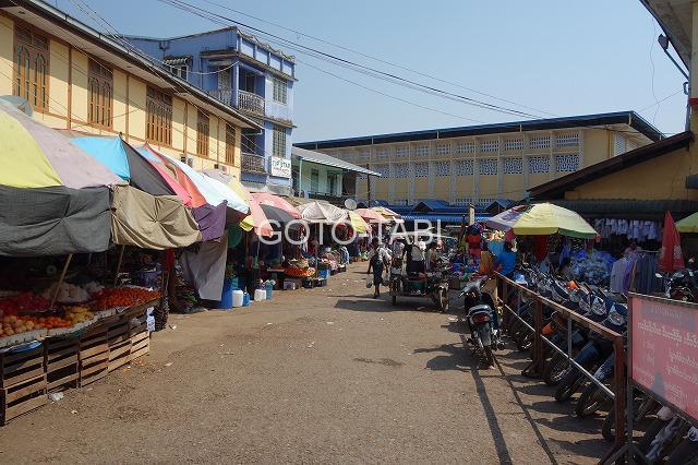 パアン市場