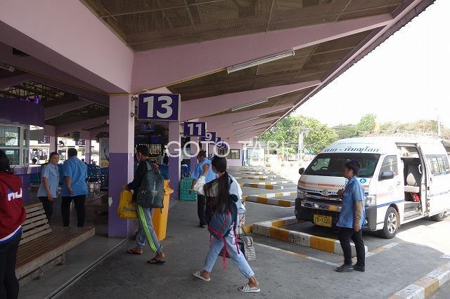 タークのバス駅