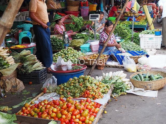 パアンの野菜市場