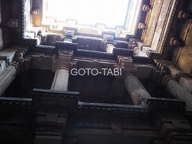 アーメダバードの階段井戸