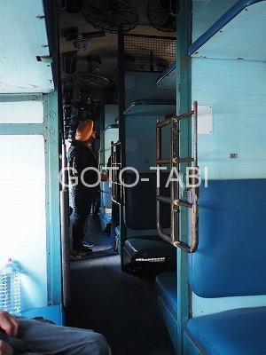 インド列車